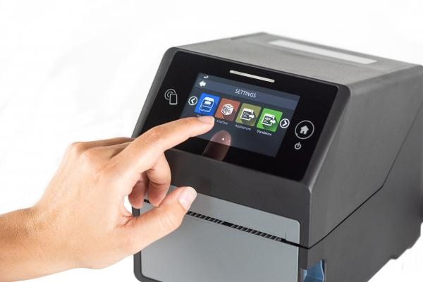 SATO gibt die Markteinführung eines intelligenten, unkomplizierten und anspruchslosen Druckers bekannt, der die Anforderungen der Lieferkette erfüllt