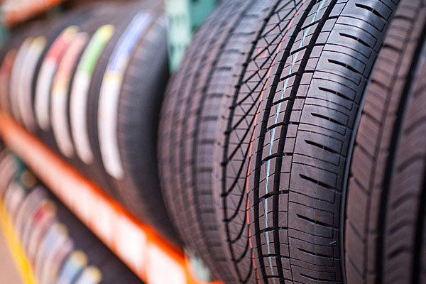 Car tyres of various sizes