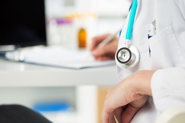 SOLUZIONI SICURE E FACILI DA PULIRE PER SUPPORTARE IL SETTORE SANITARIO